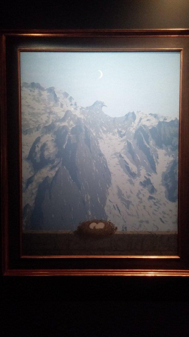 magritte-montana-pajaro