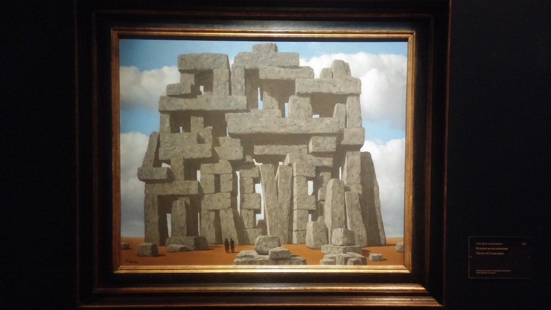 magritte-piedras