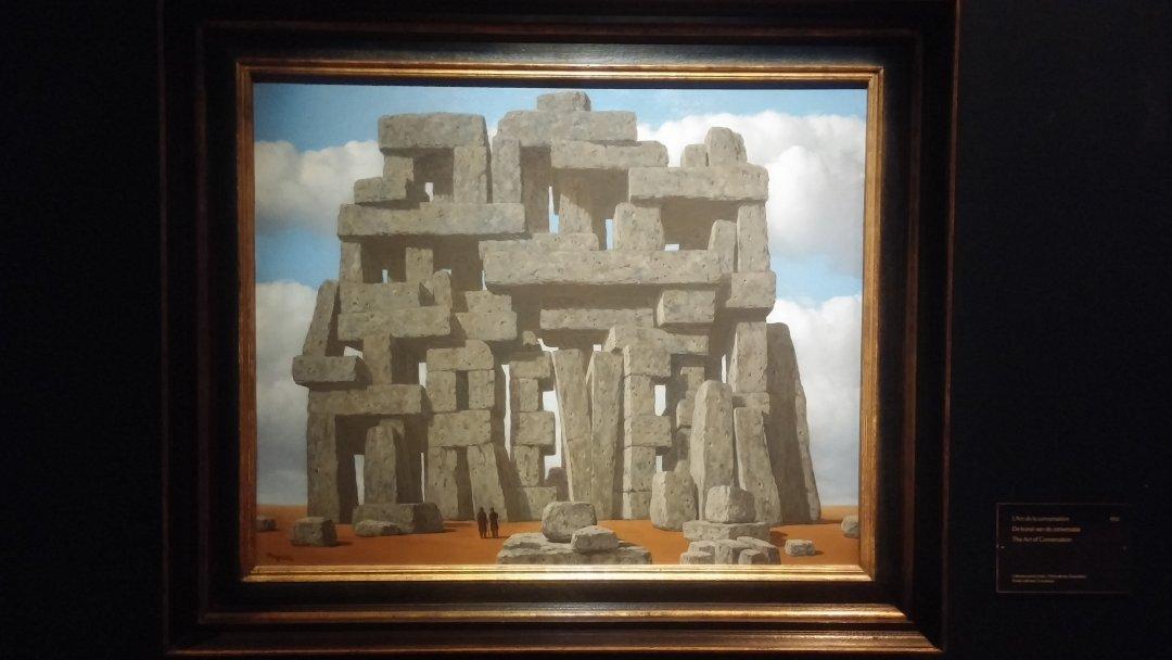 magritte-piedras