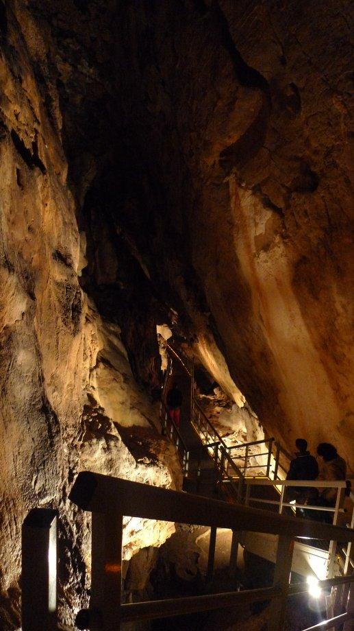 Cuevas Arrikrutz