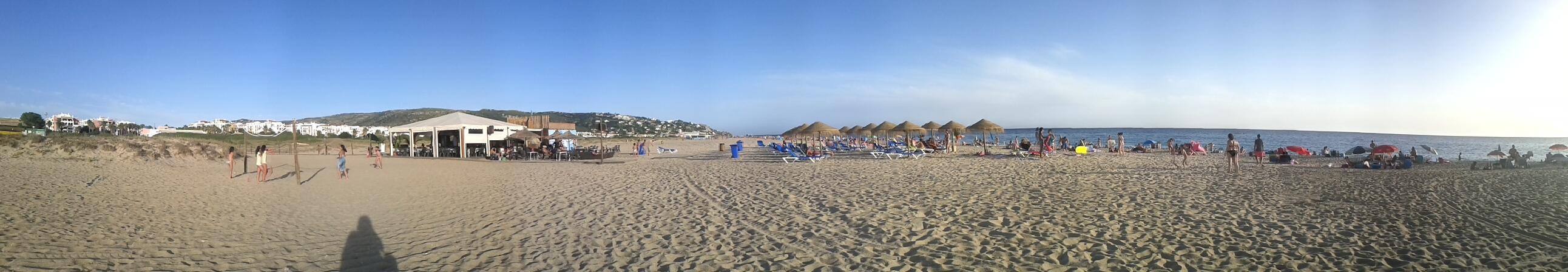 Zahara de los Atunes: foto panorámica de la Playa de Atlanterra