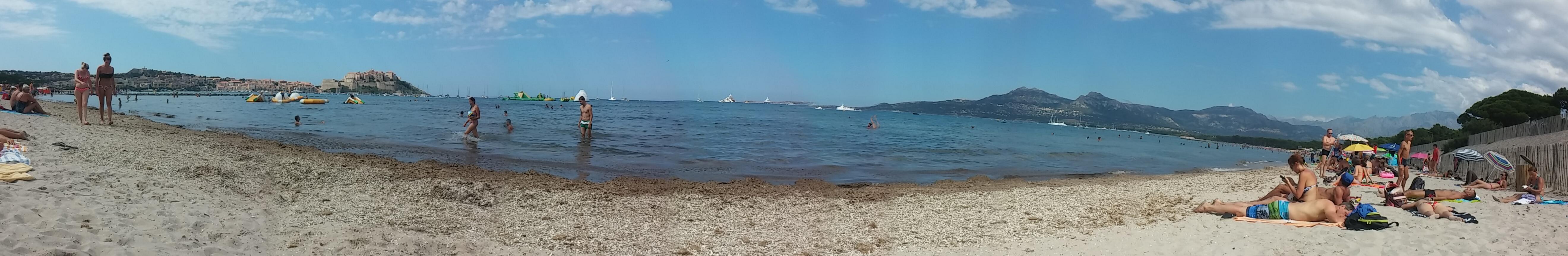 playa-de-calvi-panoramica